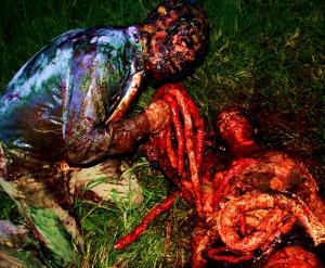 Banquete de tripas em Zombio 2_Foto Andye Iore
